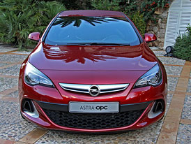 Opel Astra OPC: První statické dojmy