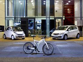 Daimler testuje bezdrátové dobíjení: Plug-in bez zásuvky