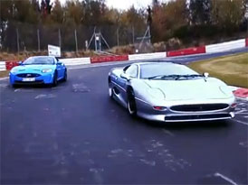 Video: Jaguar XKR-S vs. XJ220 na Nordschleife