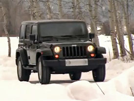 Video: Jeep Wrangler na projížďce zasněženou krajinou