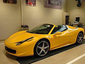 Ferrari v ČR: 42 prodaných aut v roce 2011, první 458 Spider v pražské prodejně