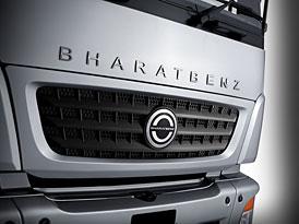 Daimler odhaluje první indický BharatBenz