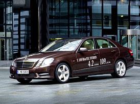 Mercedes-Benz E 300 BlueTEC Hybrid: Čtyřválec diesel a elektromotor
