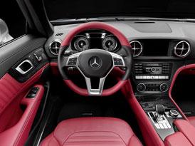 Mercedes-Benz SL si rozumí s Facebookem