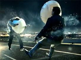 Video: Mercedes-Benz B – Reklama jako poděkování airbagům