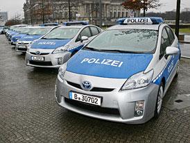 Policie v Berlíně: Na pořádek budou dohlížet hybridy a elektromobily
