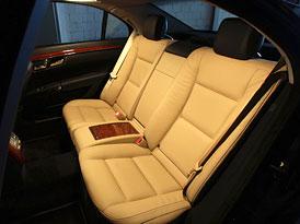 Mercedes-Benz: Bezpečnější pásy pro zadní cestující