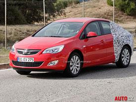 Spy Photos: Opel Astra sedan � pro vyznava�e �ty� dve��