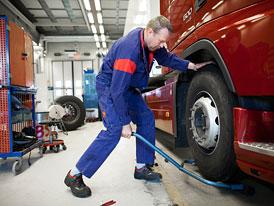 Volvo Trucks: Výběr správných kol a pneumatik snižuje emise CO<sub>2</sub>
