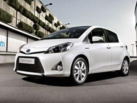 Toyota Yaris Hybrid: Po m�st� bez emis�