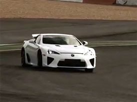 Video: Alex Wurz řídí Lexus LFA
