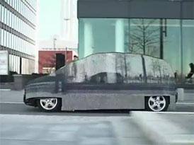 Mercedes-Benz zkouší neviditelné auto (video)