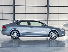 Škoda chystá Superb kupé; bude i verze RS s pětiválcem od Audi