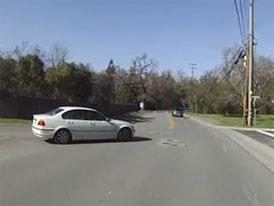 Video: Motorkář nemá přednost ani na hlavní