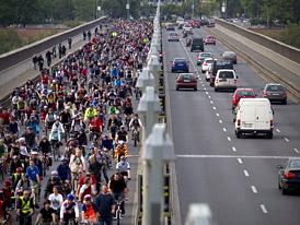 Ar�na n�zor�: Pom�e Praze omezen� provozu na magistr�le?
