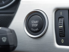 Systémy stop-start: Pomoc, nebo brzda?