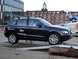 Audi Q5 vs. terénní překážka: 0:1 (video)