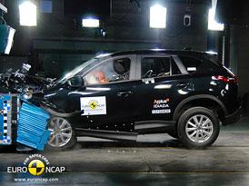 Euro NCAP 2012: Mazda CX-5 � P�t hv�zd pro Skyactiv a Kodo