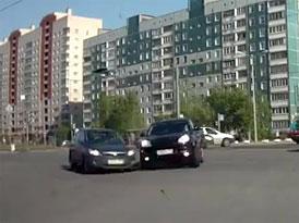 Porsche Cayenne nemá absolutní přednost (video)