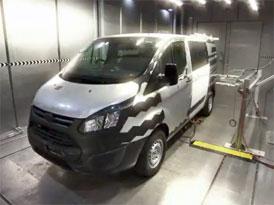 Ford Transit Custom: Testování dveří (video)