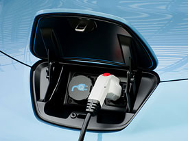 Kanadská firma: Dobití elektromobilu bude trvat pouhých pět minut