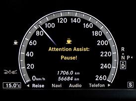 10 zbytečných pomocníků: Zařízení, která by v autech vůbec nemusela být