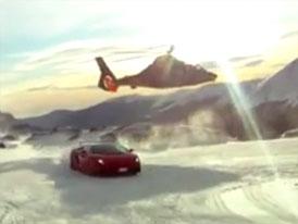Propagační video Lamborghini: Alpy, sníh a... helikoptéra