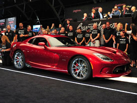 Prvn� SRT Viper vydra�en za 300.000 dolar�
