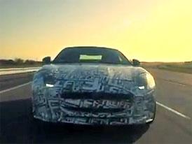 Jaguar F-Type: Nov� videa s roadsterem a jeho p�edky
