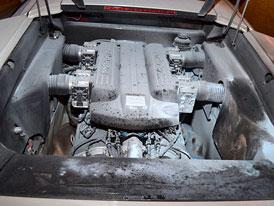 Hořící Lamborghini Murciélago uhasil řidič na benzínce u Turnova