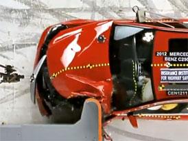 V USA zp��snili crashtesty, nepro�la cel� �ada aut v�etn� BMW 3 nebo Volkswagenu CC