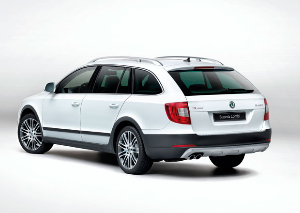 Škoda Superb Outdoor: Terénní paket za 49.900 Kč