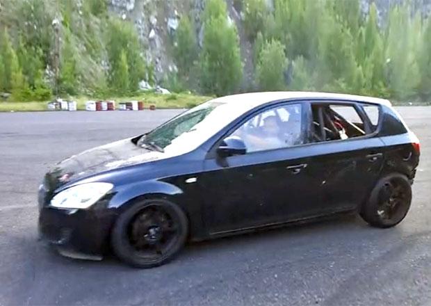 Na Slovensku přestavěli Kiu Cee'd na Porsche: Motor vzadu, pohon vzadu