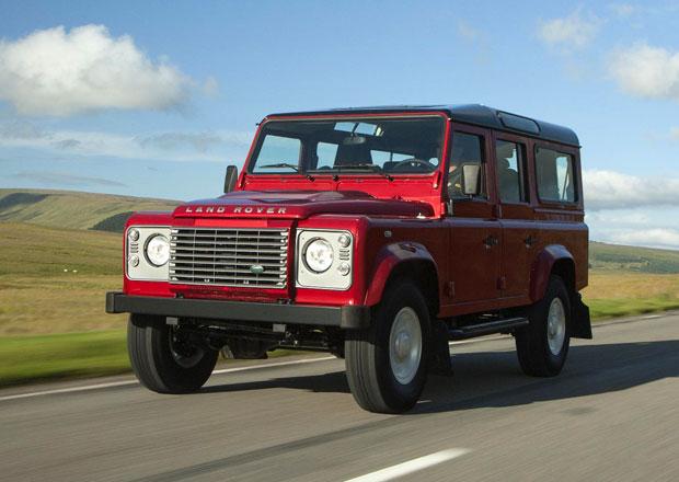 Land Rover Defender s lehkými retušemi pro rok 2013