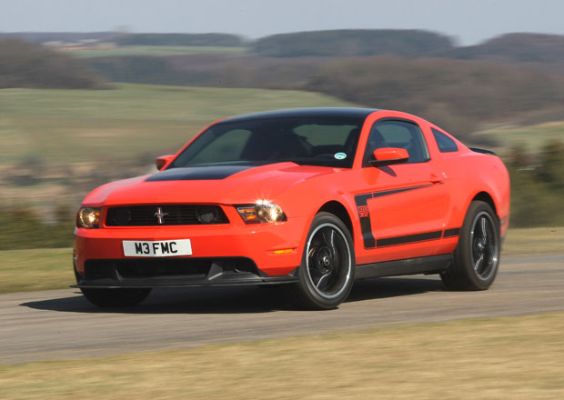 Je to ofici�ln�: Ford Mustang m��� do Evropy � a s n�m i Edge!