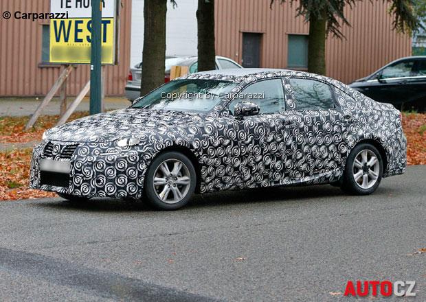 Spy Photos: Lexus IS 2014 dostane hybrid místo turbodieselu
