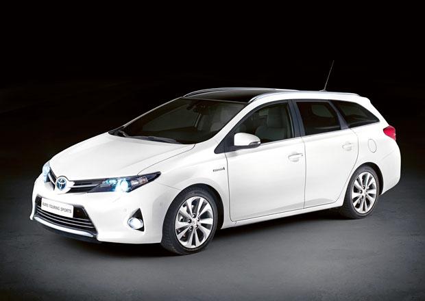 Toyota Auris kombi bude o 285 mm delší a o 35 tisíc dražší než hatchback