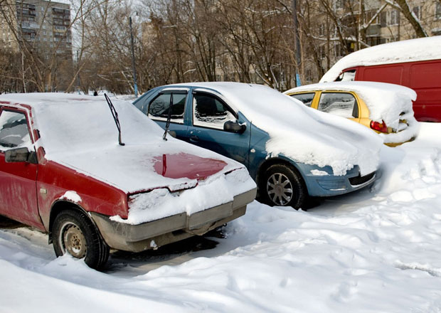 Koupě ojetiny v zimě: Pohodlnost se nevyplácí