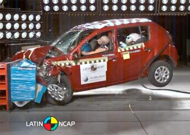 Renault Sandero pro Latinskou Ameriku je vyráběn z horších plechů a bortí se