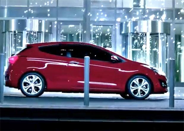 Třídveřové Hyundai i30 na prvním videu