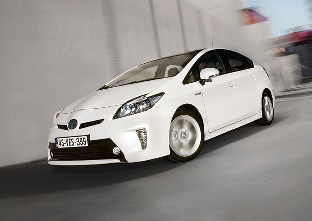 Toyota Prius dostane pohon všech kol