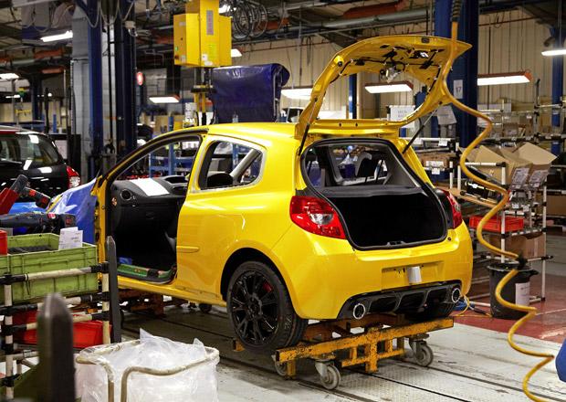Ve francouzských továrnách Renaultu a PSA se stávkuje
