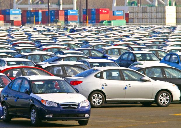 Ve Francii se prodává nejméně aut od roku 1997, ale německé značky jdou na odbyt