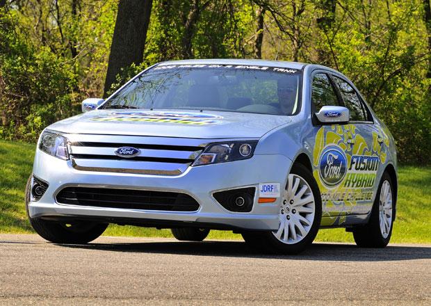 Ford Fusion a C-Max Hybrid: Největší rozdíl mezi papírem a realitou