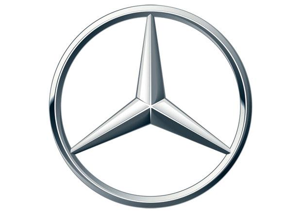 Značka Mercedes-Benz má poloviční hodnotu co BMW