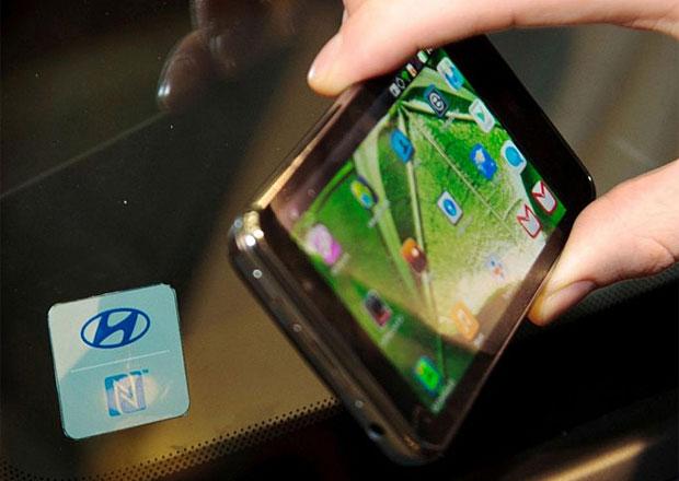 Odemkněte si auto mobilem: Bondovská vychytávka od Hyundaie