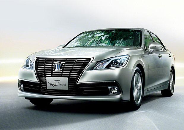 Toyota Crown: Luxusní sedan dorazil ve své 14. generaci