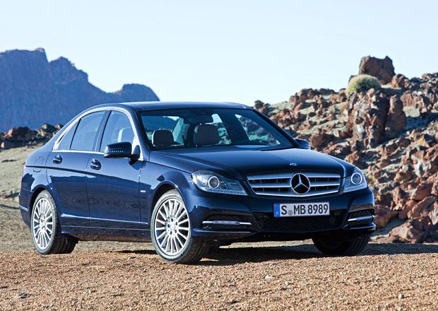 Nová generace Mercedesu-Benz třídy C přiveze dravější tvary