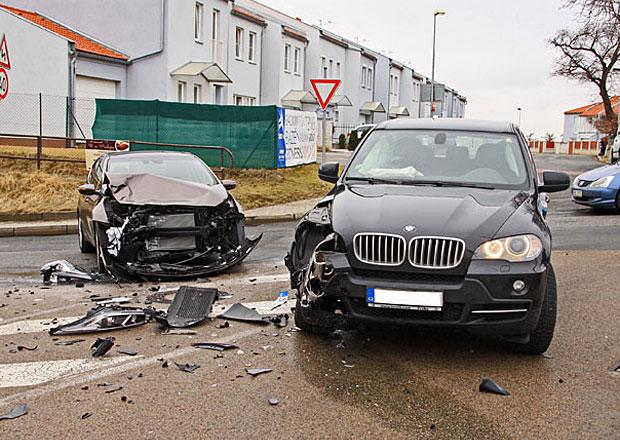 Nejvíce nehod v roce 2012 způsobili řidiči z Prahy a Ostravy