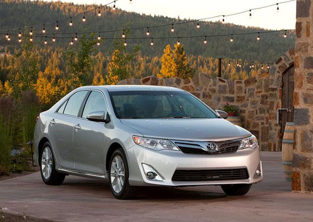 Toyota Camry vypálila Hyundaii rybník – stala se Korejským autem roku